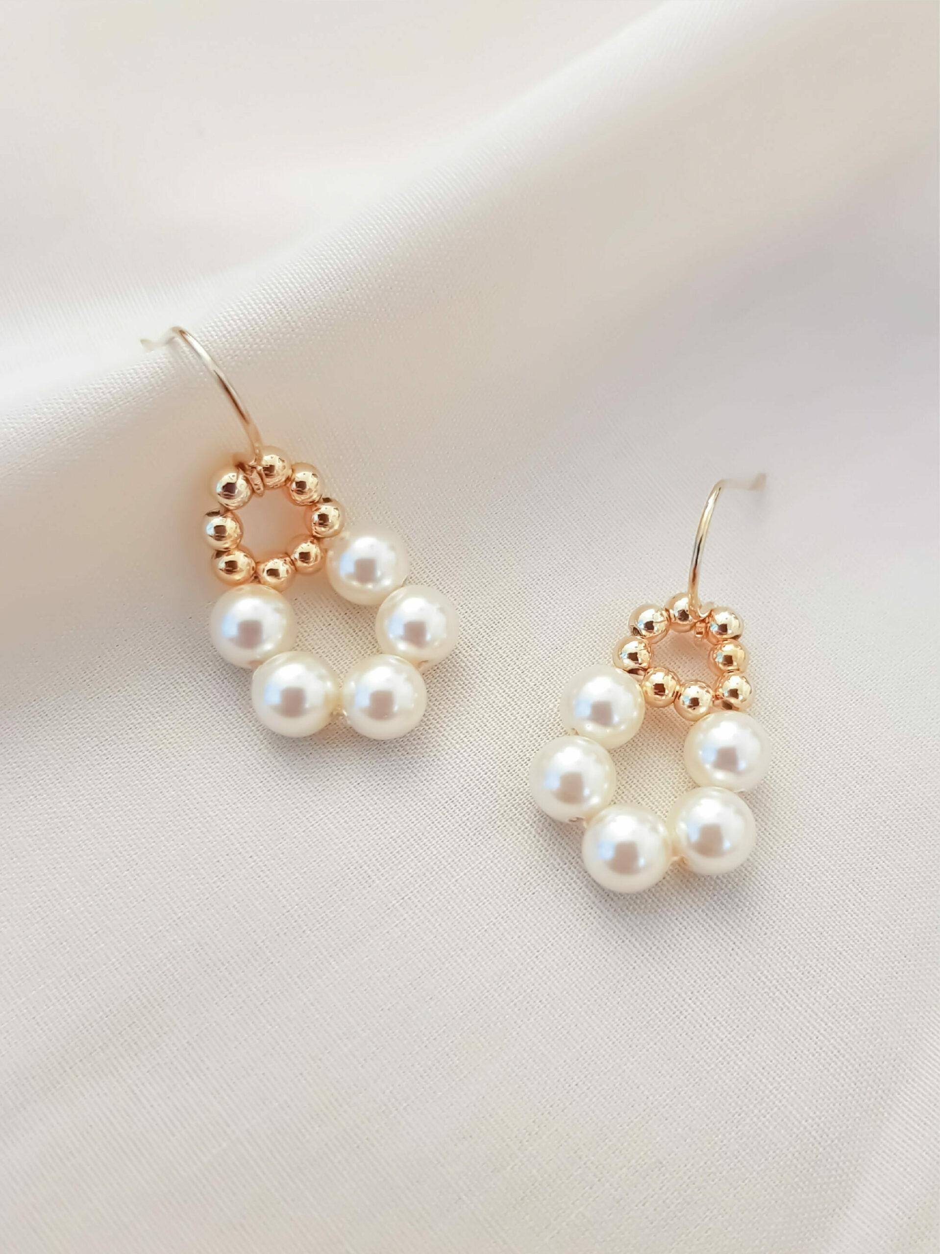 JeannieRichard Parfaite Pearl Earrings